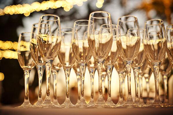 Quel champagne pour votre mariage le journal du mari - Combien de bouteille de champagne par personne ...