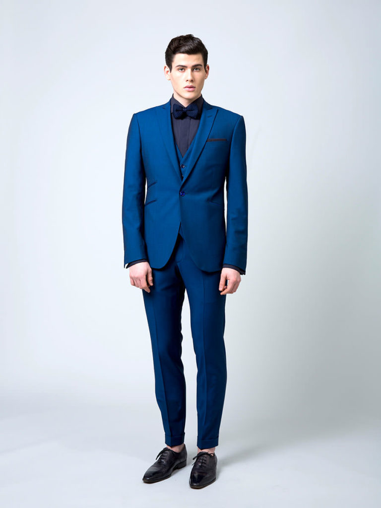 Costume sur mesure bleu IKB