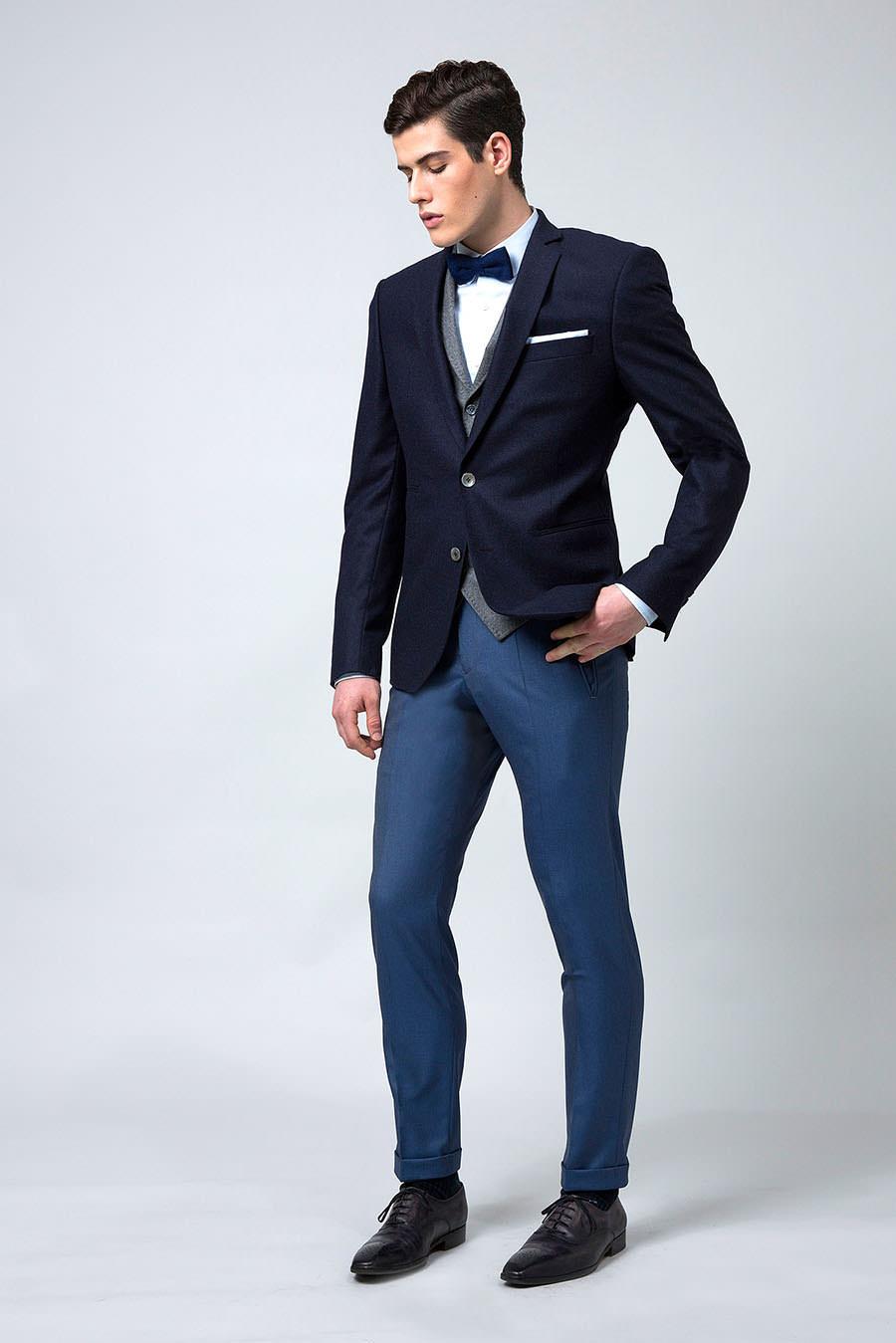 blazer-sur-mesure-marine-sur-pantalon-bleu-outremer