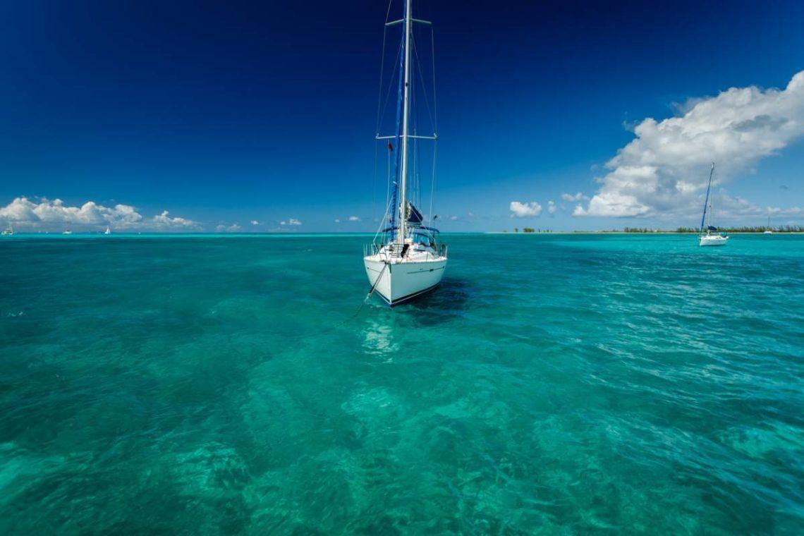 Visuel Antilles Voilier Miel.jpg